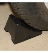 PLASTIC WHEEL CHOCKS